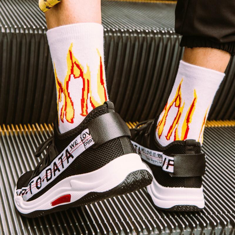Men Fashion Hip Hop Socks Male On Fire Hipster Crew Socks Red Flame Blaze Power Torch Street Style Skateboard Cotton Long
