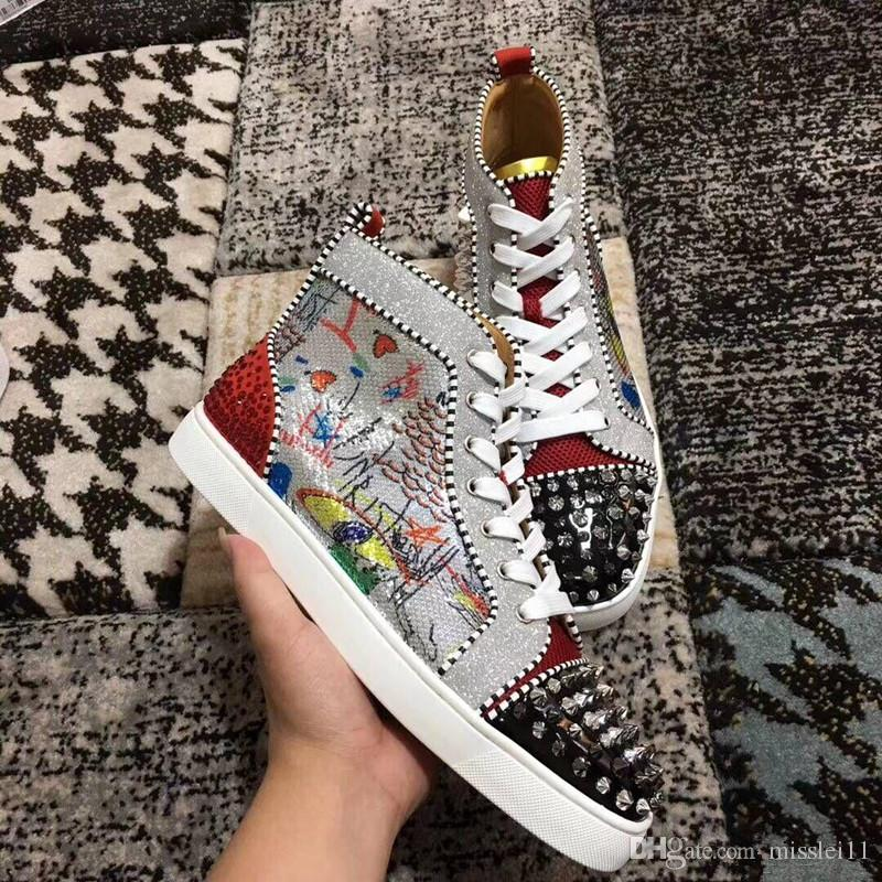 Fashion Designer Brand Graffiti Pattern Spikes Flats Shoes Red Bottom Shoes For Men and Women Party Lovers Rhinestone Leather Sneakers