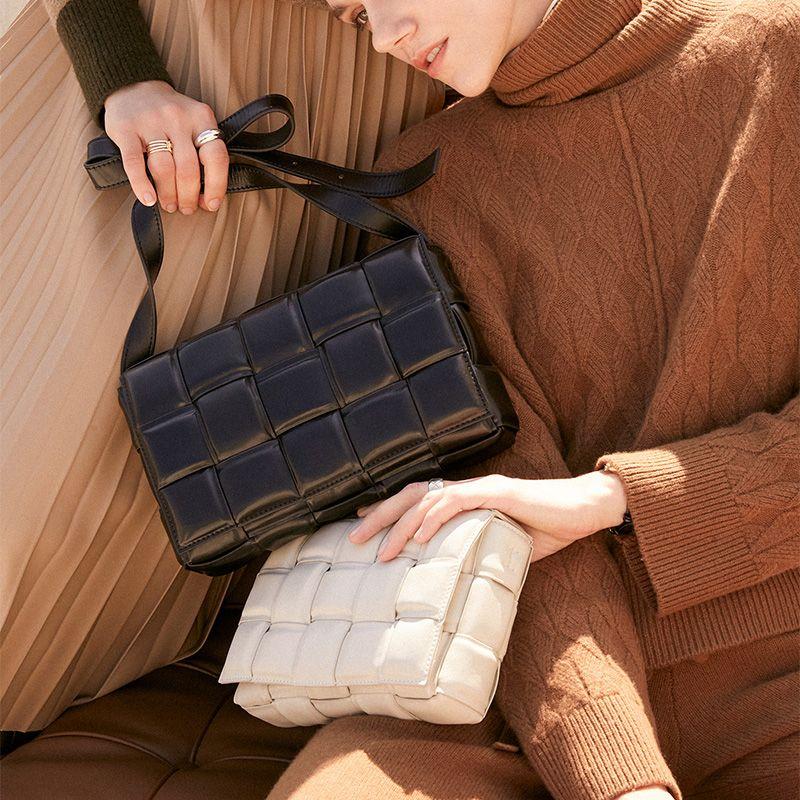 Weberei Luxus-Handtaschen Kissentasche Gepolsterte Cassette echtes Leder Ein-Schulter-Entwerfer sackt berühmte Marken-Frauen-Beutel 2020