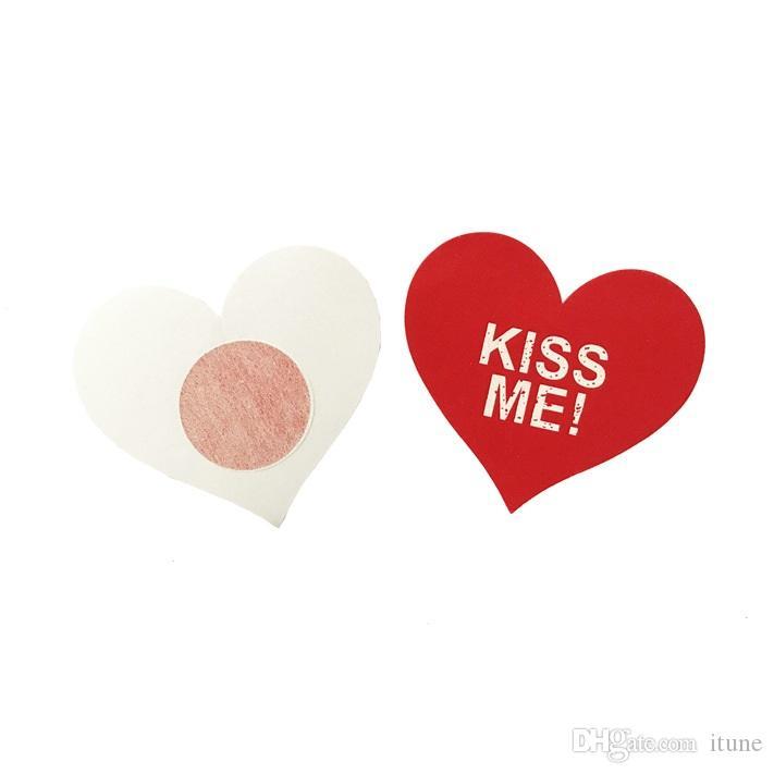 KISS ME letters أحمر اللون شكل قلب السلامة وحماية البيئة يغطي الحلمة وسادة الثدي ملصقا T- الشريط غطاء الشريط