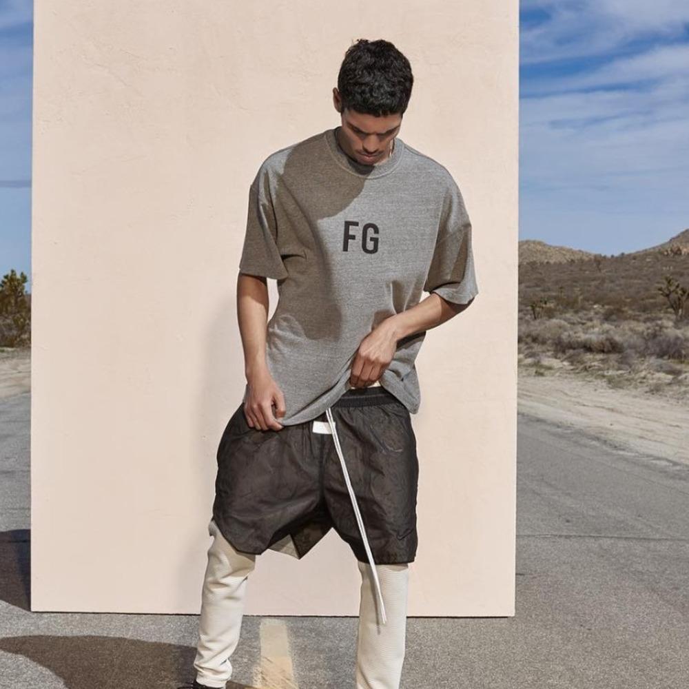 천재의 여신 6th FG 로고 티셔츠 내부 FG 인사이드 반바지 슬리브 하이 스트리트 힙합 패션 오버 사이즈 티 HFWPTX291