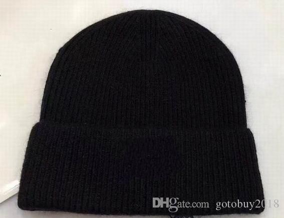 2018 новые горячие продажи роскошные моды вязание вата шляпы мягкие волосы мяч высокого качества дешевые шапка шапка женская мужская зима теплые шапки