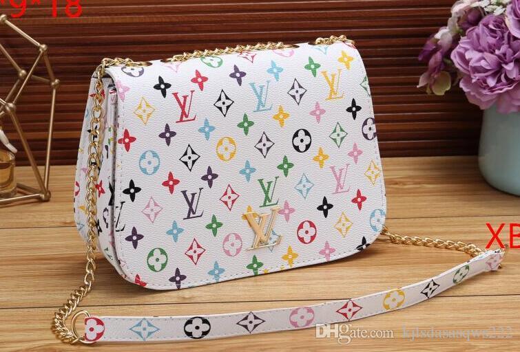 Livraison gratuite 2020 nouveau sac à main chaud décoration pompon sac de mode sac de mode épaule de la chaîne de haute qualité occasionnels unique épaule G25