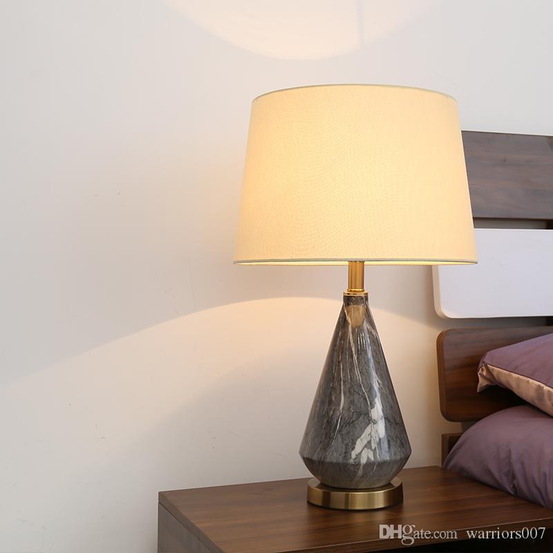 السيراميك LED السرير الجدول مصباح الأمريكية الحد الأدنى ضوء جدول لنوم غرفة معيشة الأسرة الديكور مصباح الجدول