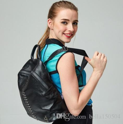 Boa qualidade Mochilas de Couro Genuíno rebite Ombro Sacos De Escola Para Adolescentes Meninas Mochila Laptop À Prova D 'Água Saco de Viagem Bagpack Senhora