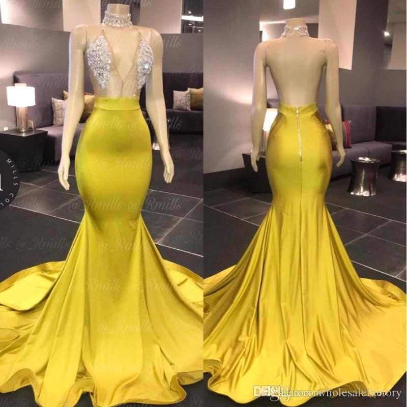 Yellow Halter-Satin-Nixe Lange Abendkleider 2020 Sheer Tulle wulstige Strass Backless formale Partei-Abend-Berühmtheit Kleider BC3500