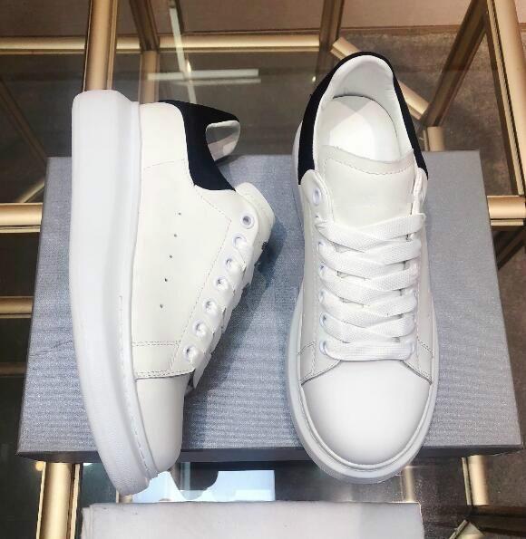 Klasik Üst Kalite Erkek Günlük Ayakkabılar Platformu Moda Lüks Tasarımcı Kadınlar Sneakers Deri Artış Yürüyüş Trainer Ayakkabı Des Chaussures