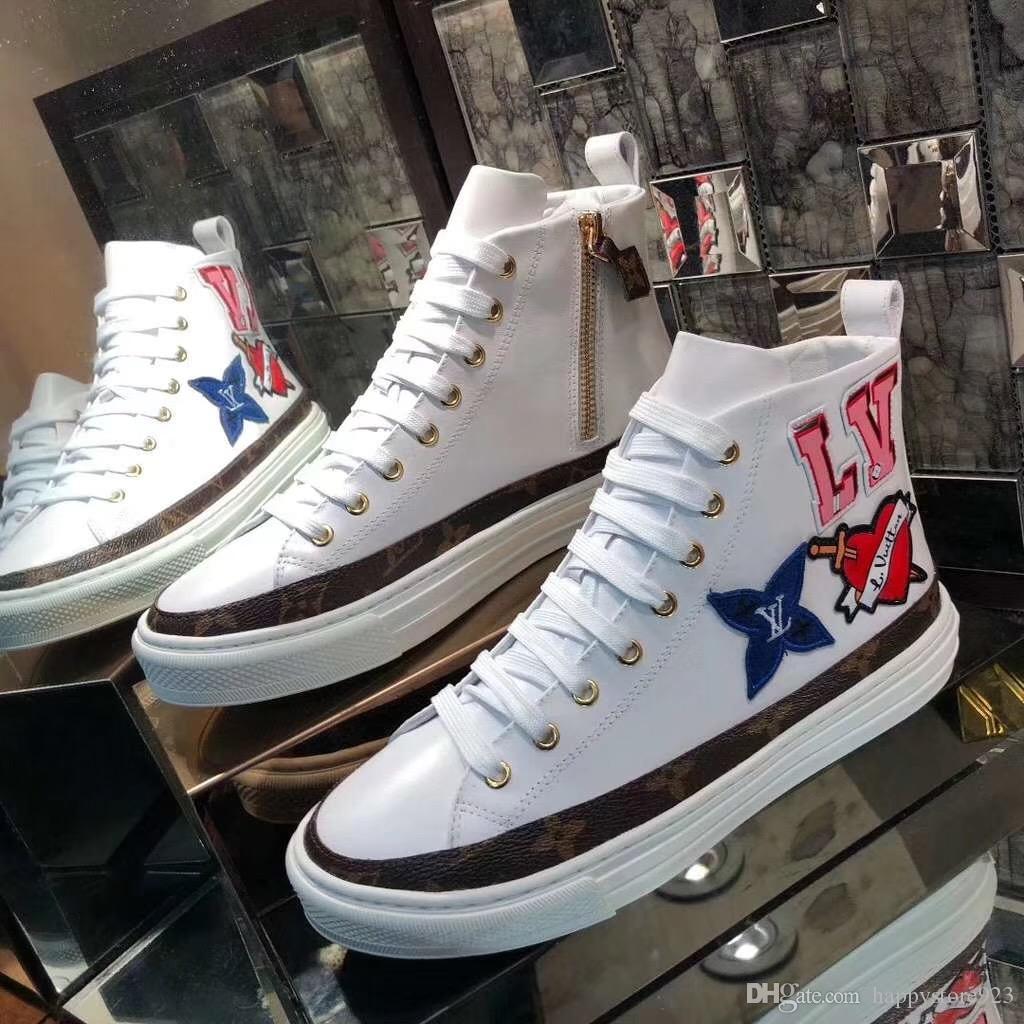 F75 allerneueste Echtleder qualitativ hochwertige Mode der Frauen Turnschuhe Trainer Schuhe beiläufige laufende Schuhe Läufer flache Rennschuhe