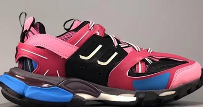 Triple S 3.0 Nouvelle couleur rose bleu blanc hommes Tess S femmes Maladroit Sneaker Chaussures Casual Designer Chaussures avec sac à poussière