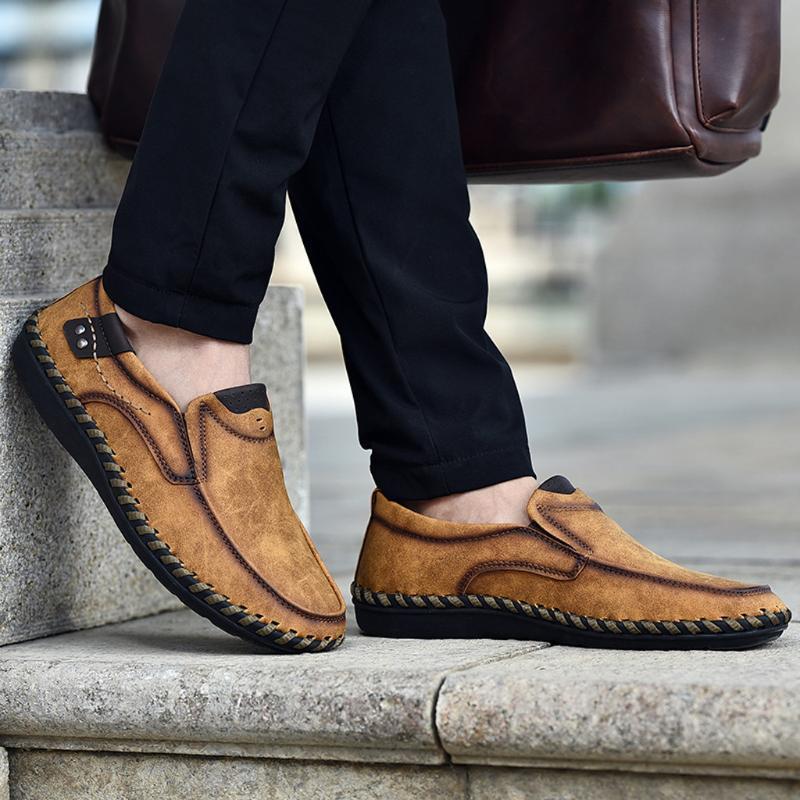 2020 Fashion Mann Leder Loafers Confortable weicher Beleg auf beiläufige Schuh-Männer tägliche Arbeiten Schuh Tenis Hombre Driving Schuhe Sneaker