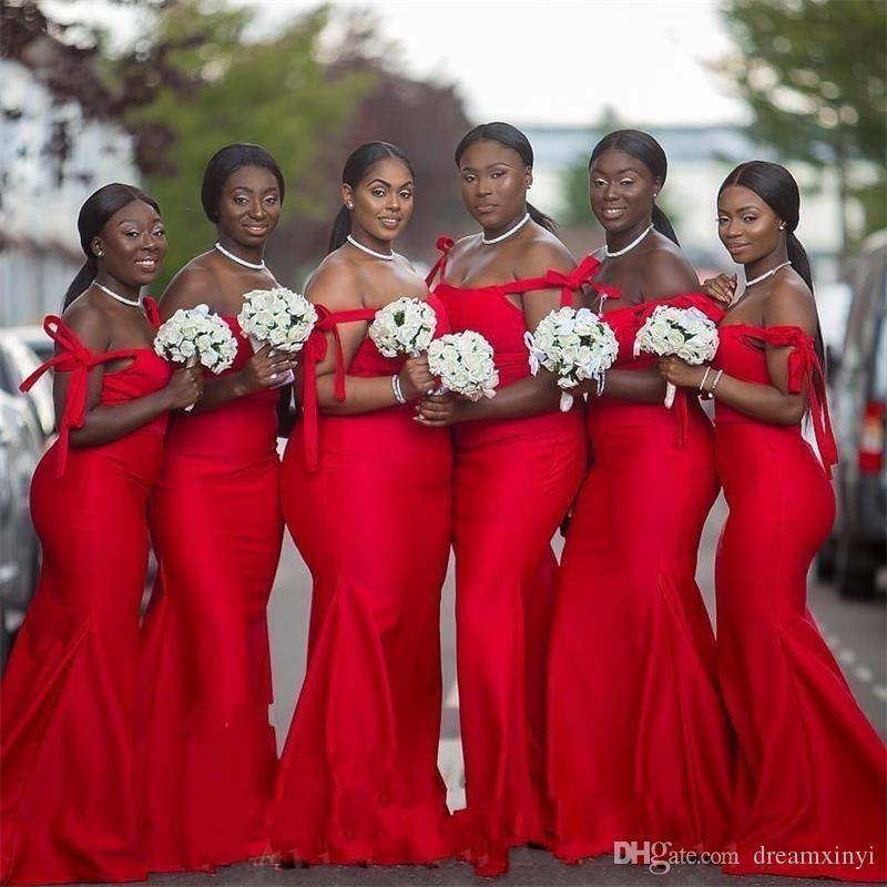 African Red Mermaid Abiti lunghi da damigella d'onore 2019 New Off The Shoulder Lunghezza del pavimento Black Girl Abiti da sposa convenzionali Abito da damigella d'onore