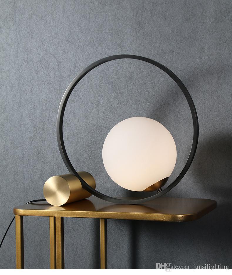 Yaratıcı, modern minimalist yatak odası çalışma ofisi komodin ışık salon İskandinav postmodern minimalist masa lambası