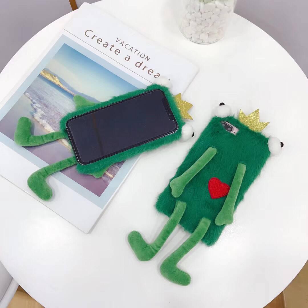 무료 배송 iPhone6 / 7 / 8p / x xs / XR / XS MAX 겨울 개구리 휴대 전화 쉘 털이 창조적 인 모피 휴대 전화 케이스