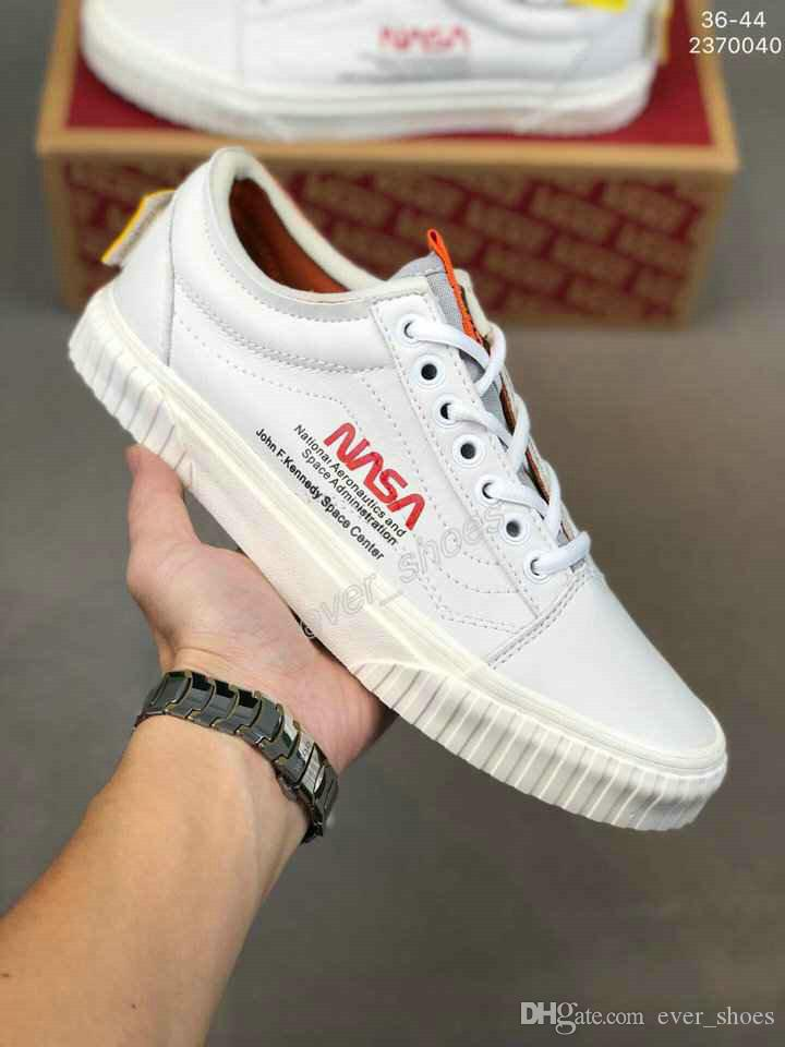 2019 New Vans NASA Space Voyager Old Skool True White Orange Canvas Designer Shoes Fashion Women Mens Casual Sneakers 35 44 Shoes Uk Pumps Shoes From