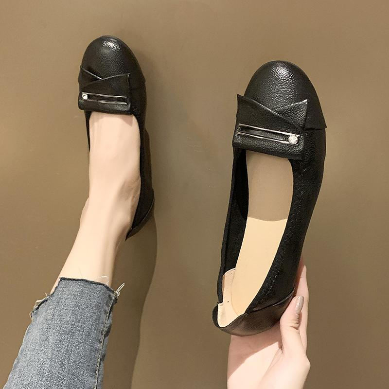 2020 Sexy Low Heels Red Flats Frauen Elegant mit Schnalle Schuh-Frauen Beleg auf Loafers Damen flache Schuhe für U19-89
