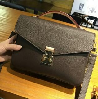 Дизайнерская сумочка Бесплатная доставка! 2020 новая мода натуральная кожа женская сумка сумки на ремне M40780