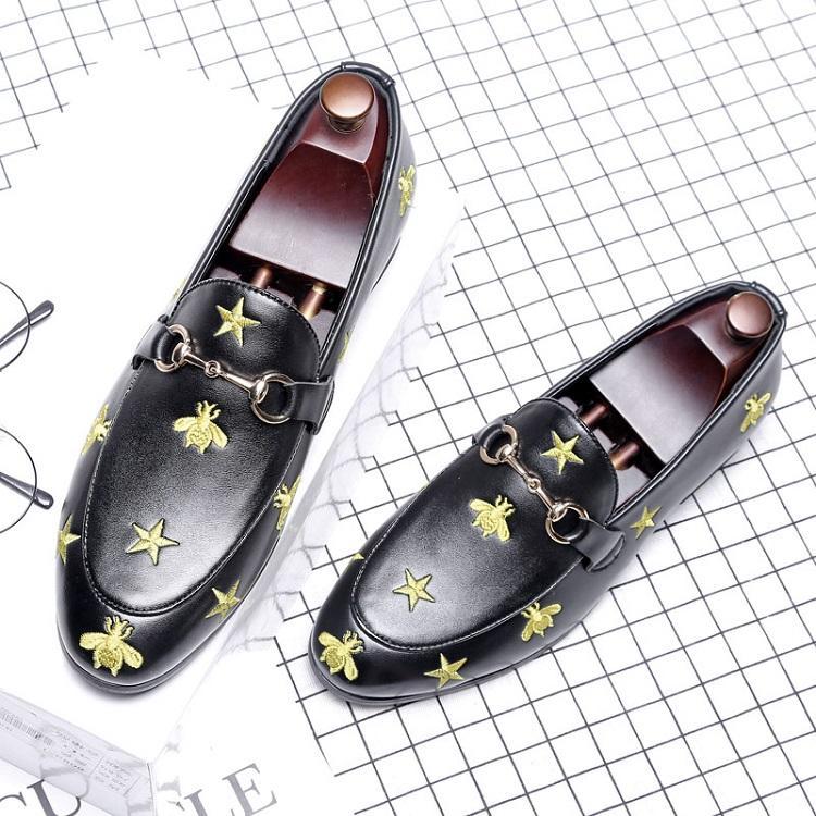 Luxuxmann Kleid-Schuh-Top-britische Art Bee Rrivet Causal Luxusschuhe Herren Loafers Mokassins italienische Männer Hochzeit Schuhe Q-499 CD01