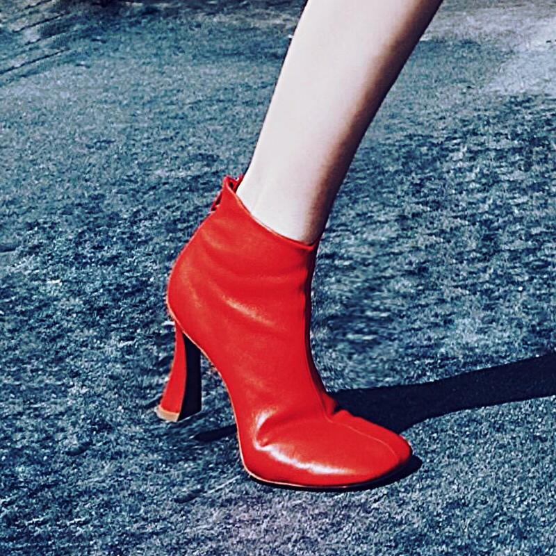 Toe Quadrado britânica Botas Mulheres Marca elegante escritório Grosso do salto alto Botas Moda Genuine carneiro Red Sapatinho