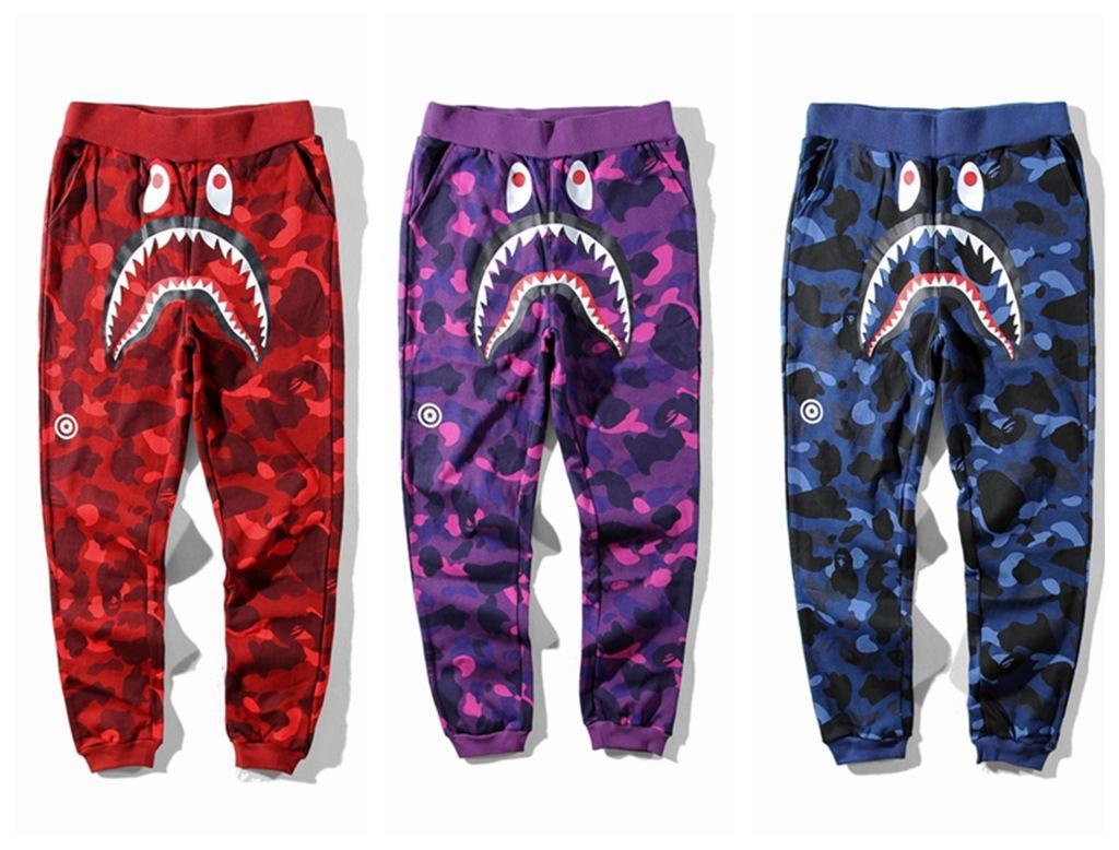Uomini Autunno Inverno Nuovo squalo stagione del fumetto stampa pantaloni casual abbigliamento mimetico pantaloni allentati cucitura dei pantaloni hip hop Via