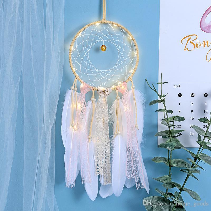Main Dreamcatcher Plumes LED Lumière Voiture Maison Tenture Décoration Ornement Arts Et Artisanat Cadeau Dream Catcher Vent Carillon