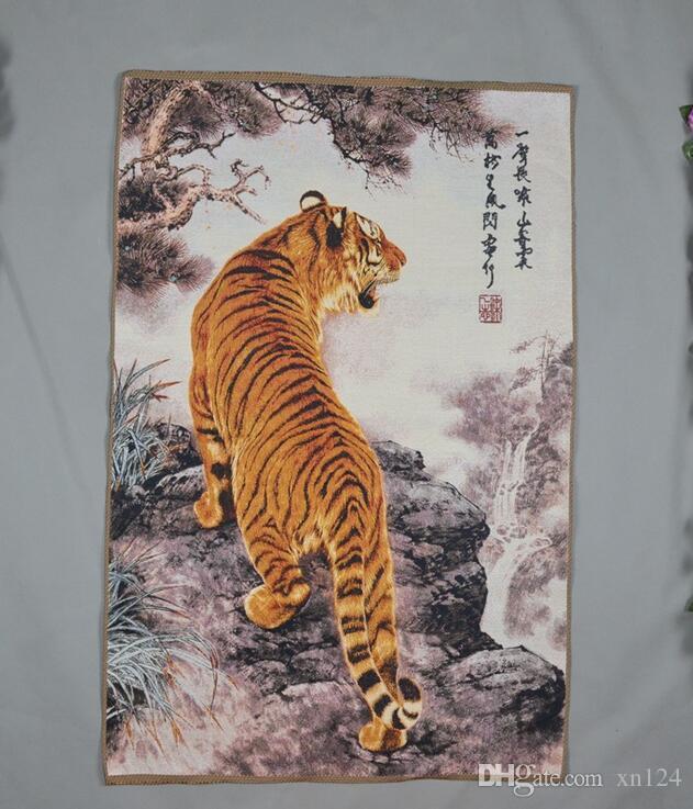 Factory Direct brocado de seda bordado Pintura Sala Decoração Uphill Tiger Forest