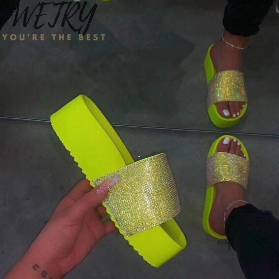 exteriores senhoras de moda selvagem Primavera verão / mulheres plataforma impermeável sandálias de praia grossa de fundo chinelos strass cor de doces