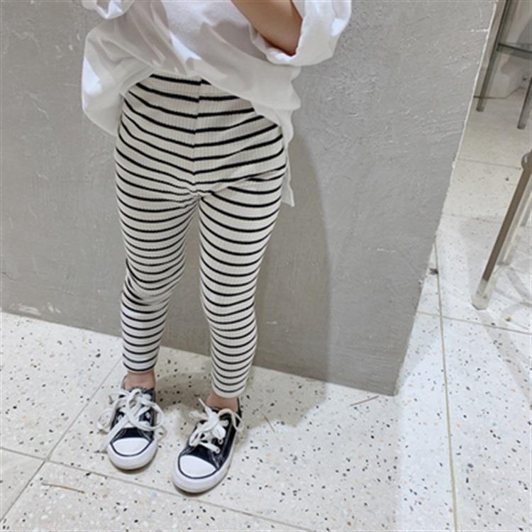 Teen Schwarz Leggings Candid Teen leggings