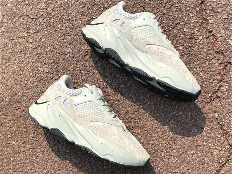 2020 Neueste Authentic 700 V2 Salz Eg7487 Kanye West Outdoor-Schuhe Runner Welle Mauve Static Inertia Geode Limited Sports Turnschuhe mit Kasten