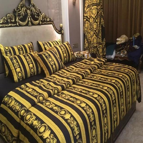 Francês Itália design de impressão Marca 4 / 5pcs Black Gold conjuntos de cama Quilts Cinzento Dourado Marca casamento conjuntos de cama edredon cobrir / Folha / fronha