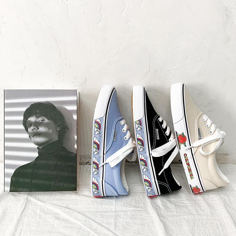 Femmes Chaussures de sport authentique chaussures de toile noire Strawberry Flats hommes Lacets Casual Mocassins Espadrilles Skatebarding Chaussures