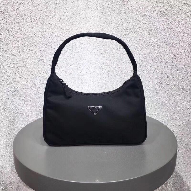 neue Rucksäcke Designer-Handtaschen Frauen echtes Leder glatt Nylon-Reißverschluss Handtasche Kunstwerk Hobobeutel Frauen Brief Mappen freies Verschiffen