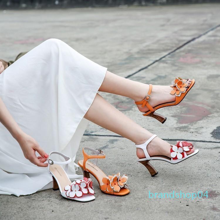 Scarpe Pulsante Goddess2019 sandali con Coarse donna Fata Vento Bianco One Orange con tacco Toe Flower Partita Gonna reale