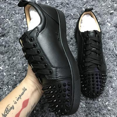 Marca Low Top Flats Shoes Spikes Flats sapatos de fundo vermelho para homens e mulheres de couro Sneakers Partido Designer Shoes Casual 0100263