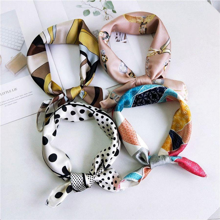 Sciarpe quadrate a forma di cuore 50 * 50 cm Sciarpe di seta da donna estive Morbide signore Fazzoletto da regalo quadrato Feste regalo TTA1675