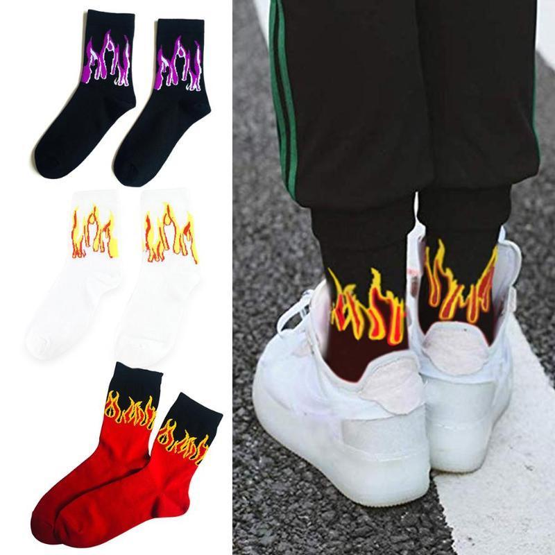 Los hombres de moda de Hip Hop Hit color en el fuego Calcetines Red Flame Blaze antorcha de la energía caliente calor Street Skateboard calcetines de algodón largas