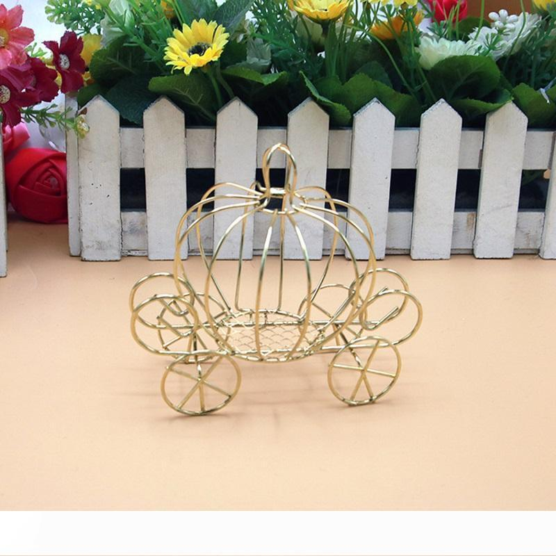 A New European Creative Gold Metal Pumpkin Cart Crown Design Candy Boxes High Quality Wedding Favors W9982