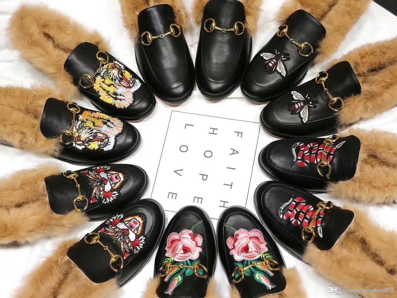 2019 موضة جديدة أعلى عارضة النعال الصنادل الجلدية حقيقية المتسكعون LadiesFur النعال إيطاليا العلامة التجارية المصممين الشرائح مصمم أحذية