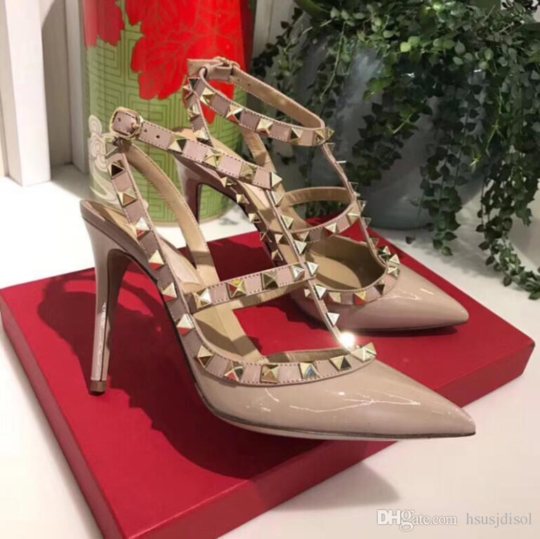 Designer punta a punta 2 cinturini con borchie tacchi alti rivetti in pelle verniciata Sandali donna borchiati scarpe con strappy scarpe tacco alto san valentino