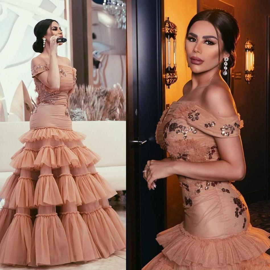 Weg von der Schulter Nixe-Abschlussball-Kleid mit Falten Arabisch Rüschen Pailletten formaler Abendkleider bodenlangen Gelegenheits-Partei-Kleid