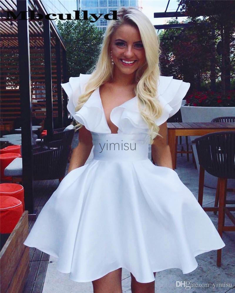 Weiß Kurze Homecoming-Kleider 2020 Tief-V-Ausschnitt Tiered Rüschen Mini-Cocktail-Party-Gowns Formale Abend-Prom-Kleid besondere Anlässe billig