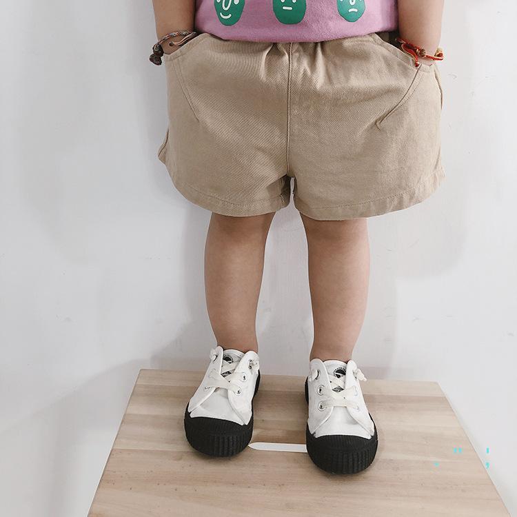 Pantalones cortos para niños de verano de 2020 muchachas de los pantalones ocasionales del algodón con bolsillos de bebé del color puro fino corto ocasional pantalones CZ331