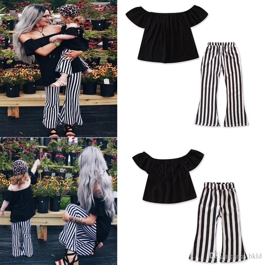 Verão da família Matching Mãe Filha Off ombro mangas Tops calças listradas Two Pieces Sets Roupa mamãe menina Kid Família olhar roupa
