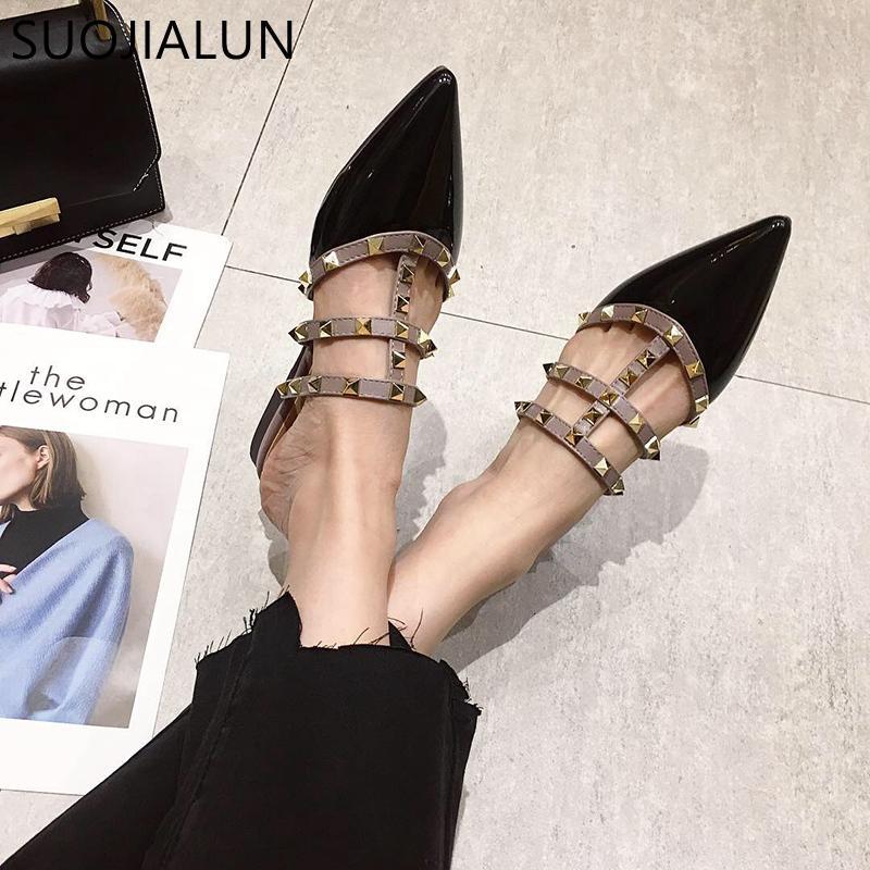 Hot Sale-SUOJIALUN femmes plates Chaussons Glissement Mulets Marque Designers 2019 Luxury Fashion Rivet Diapositives T-strap Slip On Mocassins Mulets