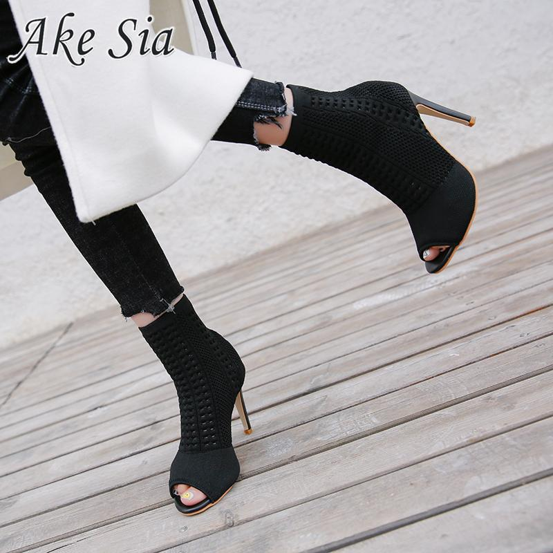 2019 neue Loch der Frauen atmungsaktive Schuhe Mode-Trend Party-Set High Heels flach Mund Fisch Mund dünne Fersen hohe Absätze