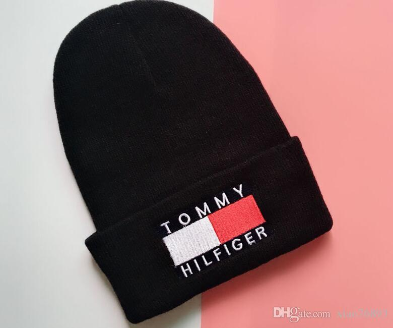 Designer Beanie Sexy Pornhub Embroidery Acrylic Knitted Winter Hats Adults Mens Womens Head Warmer Man Woman Snow Cap520