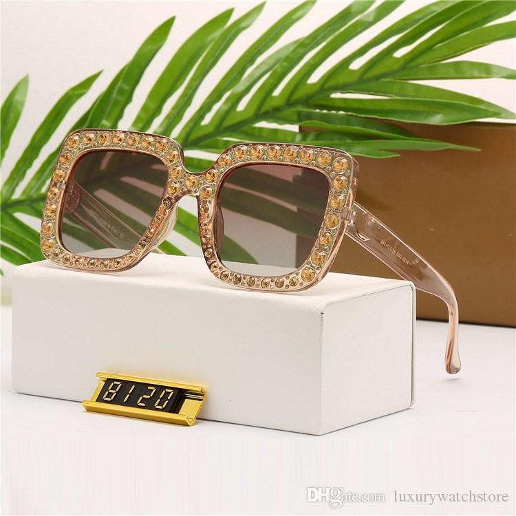 8120 Lunettes de soleil populaires femmes de luxe Marque Designer lunettes Carré Style Plein cadre Top Qualité Protection UV Couleur Mixte Avec la Boîte