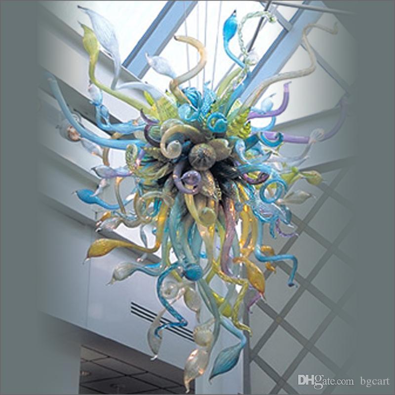 ومن ناحية السقف الفاخرة في مهب زجاج مورانو الثريات الإضاءة فن تصميم متجمد اليدوية في مهب زجاج الثريات ومصابيح قلادة