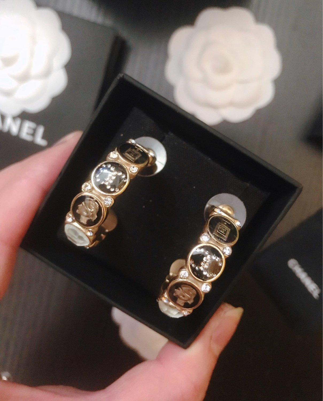 Дизайнерские ожерелья для женщин ожерелья медальона ювелирных изделий Бесплатная доставка лучший новый список 2020 Новая мода современный стиль элегантный 6I4B