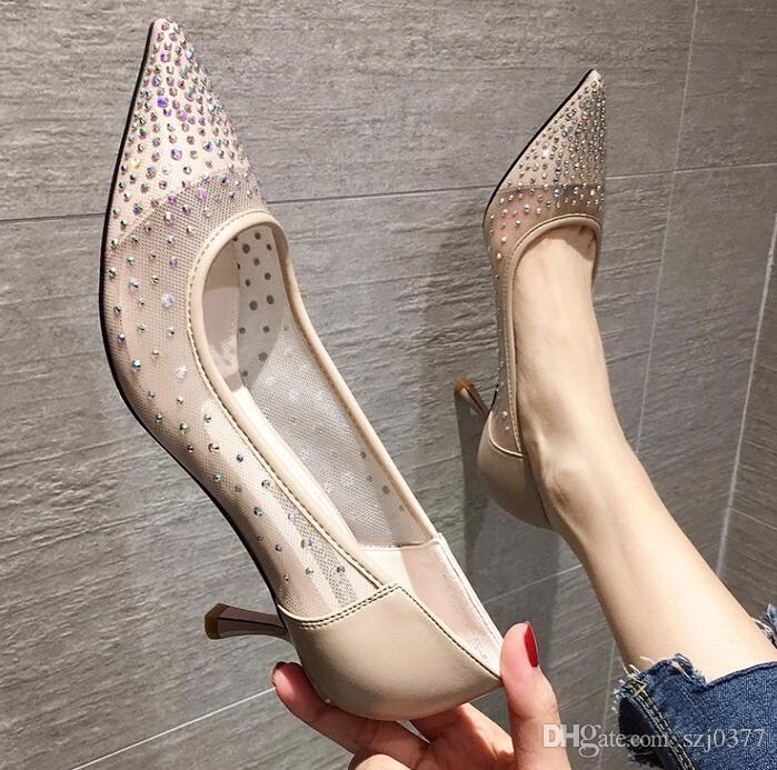 Neue Saison Designer Frauen Ineinander greifen-Absatzschuhe schnüren Strass spitzen Zehen Cut-Outs Shallow Mund Katze Ferse Stiletto-Schuhe Dame-Kleid-Schuhe
