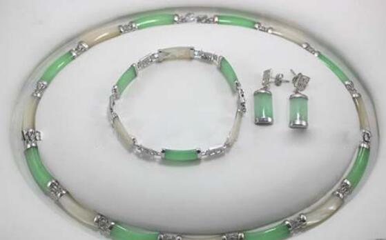 Jewelryr Jade Set горячая продажа новый стиль новые ювелирные изделия зеленый белый камень ссылка ожерелье браслет серьги набор Бесплатная доставка